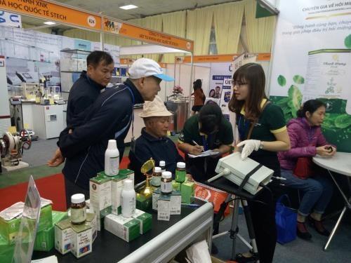 Inauguran en Vietnam exposicion internacional de medicina y farmacia hinh anh 1
