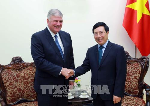 Vicepremier vietnamita recibe a dirigente de organizacion evangelica humanitaria de EE.UU. hinh anh 1