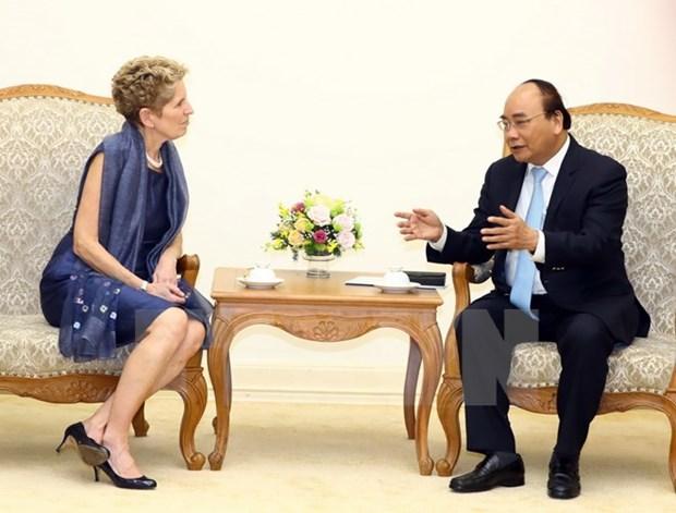 Premier de Vietnam se compromete a apoyar a las empresas de Ontario hinh anh 1