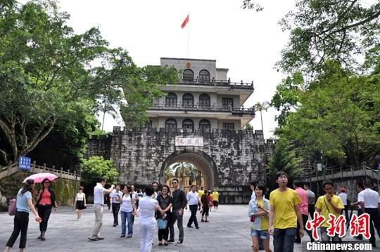 Destacan intercambio de labores politicas entre fuerzas guardafronteras de Vietnam y China hinh anh 1