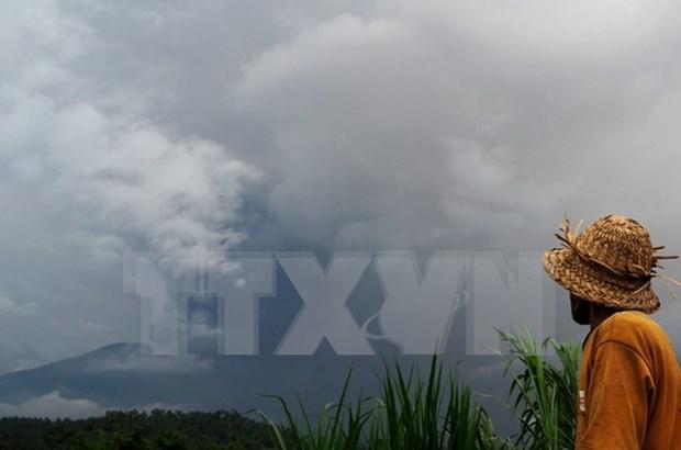 Volcan Agung expulsa ceniza en isla indonesia de Bali hinh anh 1