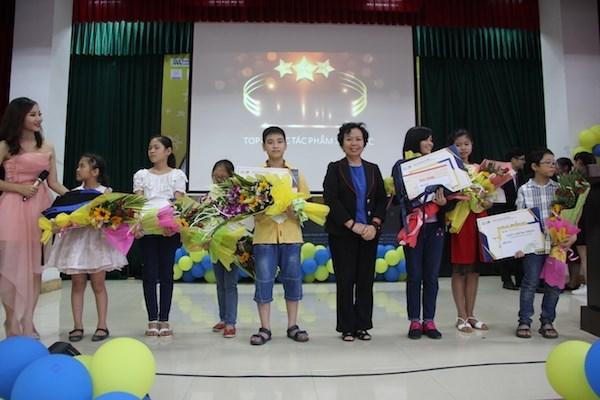 Celebran en Hanoi concurso internacional de dibujo infantil sobre la paz hinh anh 1