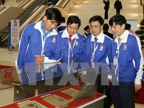 Abren exposicion sobre tradicion gloriosa de juventud comunista vietnamita hinh anh 1