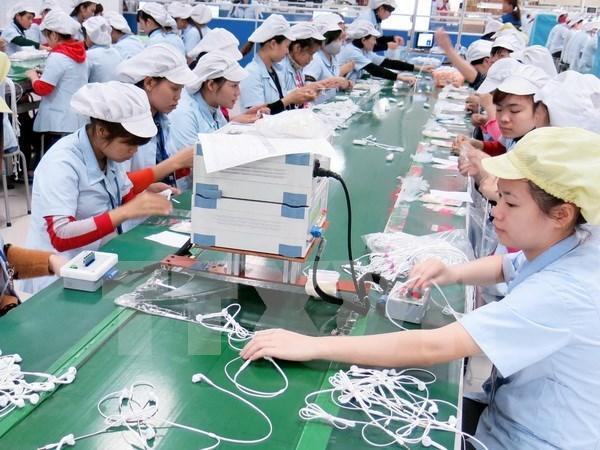 Aumentan salario minimo en Vietnam a partir de enero de 2018 hinh anh 1