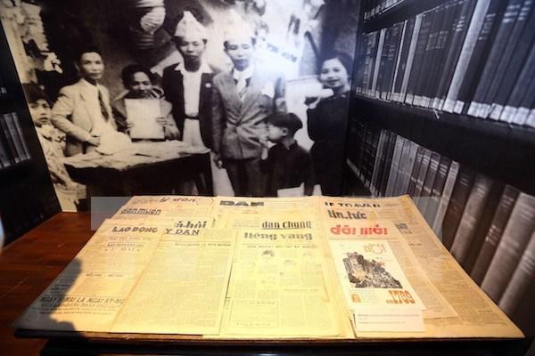 Alemania ayuda a Vietnam en preservacion de objetos historicos de papel hinh anh 1
