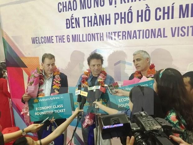Ciudad Ho Chi Minh recibe a turista numero seis millones hinh anh 1