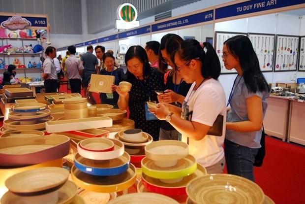 Efectuan Feria del comercio y turismo del Triangulo de Desarrollo CLV hinh anh 1