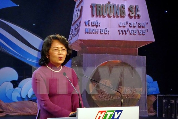 Mas apoyo a soldados y habitantes en islas lejanas de Vietnam hinh anh 1
