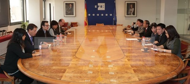 Agencias de noticias de Espana y Reino Unido reafirman apoyo a VNA en labores periodisticas hinh anh 1