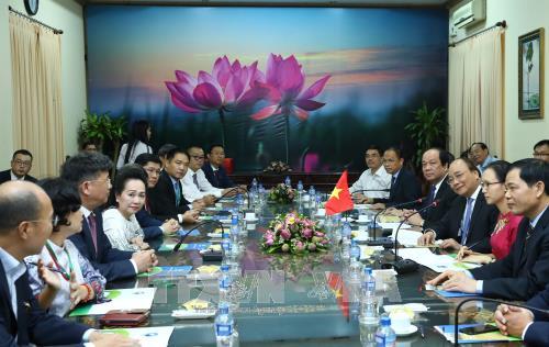 Vietnam aprecia recomendaciones de inversionistas, afirma premier Nguyen Xuan Phuc hinh anh 1