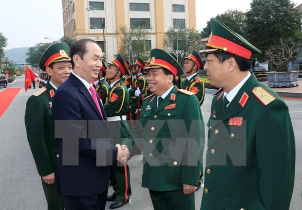 Presidente vietnamita pidio construir una fuerza militar fuerte hinh anh 1