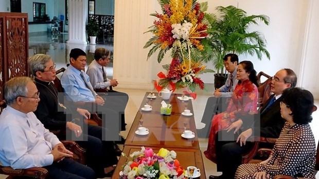 Ciudad Ho Chi Minh felicita a comunidad catolica por Navidad hinh anh 1