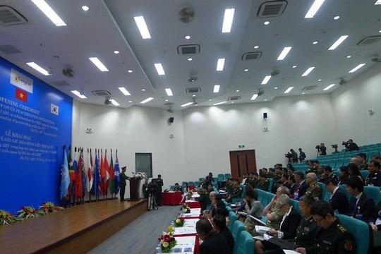 Copreside Vietnam seminario de mantenimiento de paz de ASEAN hinh anh 1
