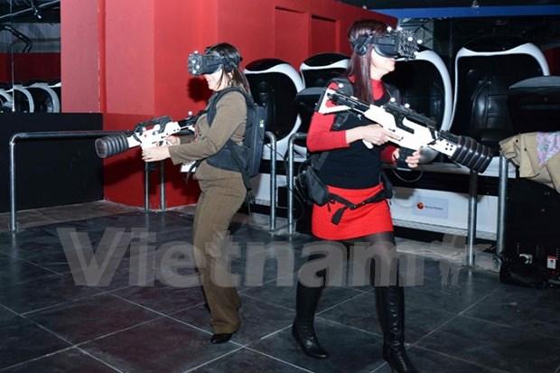 Presentan primer centro de realidad virtual en Vietnam hinh anh 1