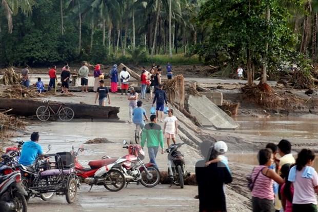 Numero de muertos por tifon Tembin continua aumentando en Filipinas hinh anh 1