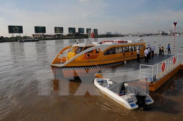 Turismo fluvial de Ciudad Ho Chi Minh atrae gran numero de viajeros en 2017 hinh anh 1