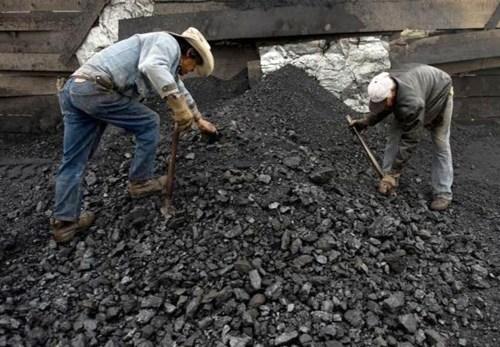 Vinacomin planea vender 36 millones de toneladas de carbon en 2018 hinh anh 1