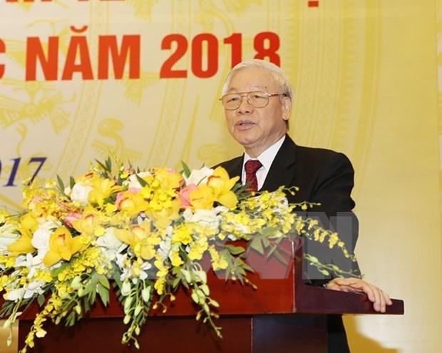 Maximo dirigente partidista traza principales labores de Vietnam en 2018 hinh anh 1