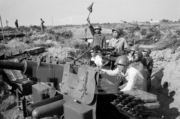 Victoria de batalla aerea Dien Bien Phu, muestra de vision de Ho Chi Minh hinh anh 1