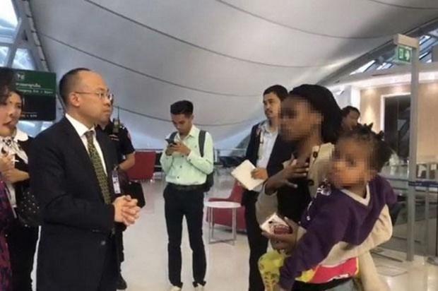 Atascada una familia zimbabuense en aeropuerto tailandes por vencimiento de visados hinh anh 1