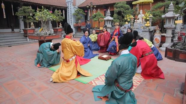 Promueven en Vietnam la preservacion de trajes tradicionales hinh anh 1