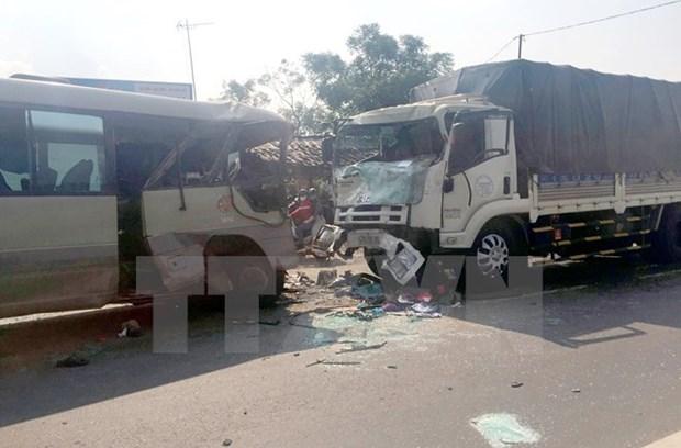 Mueren 19 personas por accidentes de transito en Vietnam en ultimo dia de 2017 hinh anh 1