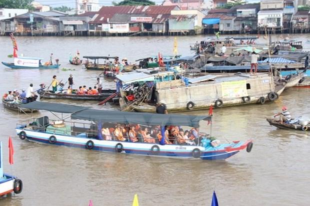 Aumenta llegada de turistas a region surena de Vietnam en vacaciones del ano nuevo hinh anh 1