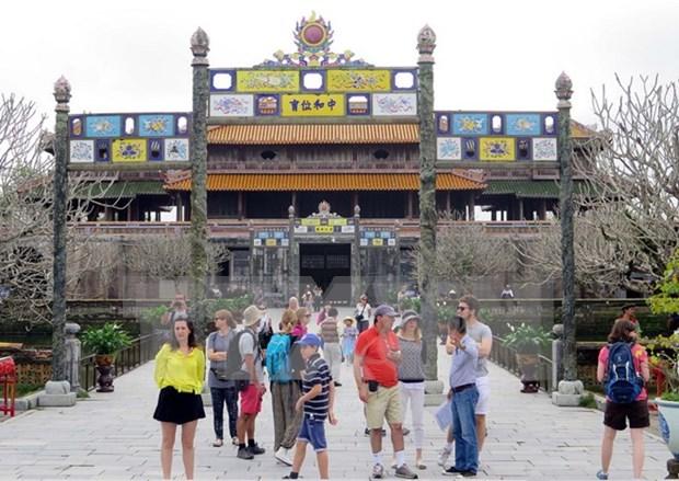 Conjunto de Monumentos de Hue recibe a mas 30 mil visitantes en dias festivos por Ano Nuevo hinh anh 1
