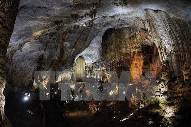 Phong Nha - Ke Bang se esfuerza por convertirse en sitio turistico nacional en 2025 hinh anh 1