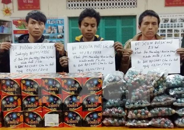 Compleja situacion de contrabando de petardos en areas fronterizas vietnamitas ante la llegada del Tet hinh anh 1