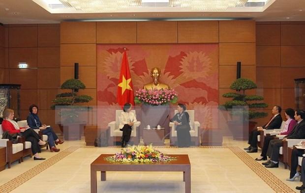 Presidenta parlamentaria de Vietnam valora politica exterior de Canada hinh anh 1