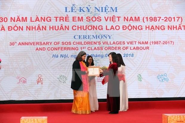 Aldea Infantil SOS Vietnam recibe Orden de Trabajo de primera categoria hinh anh 1