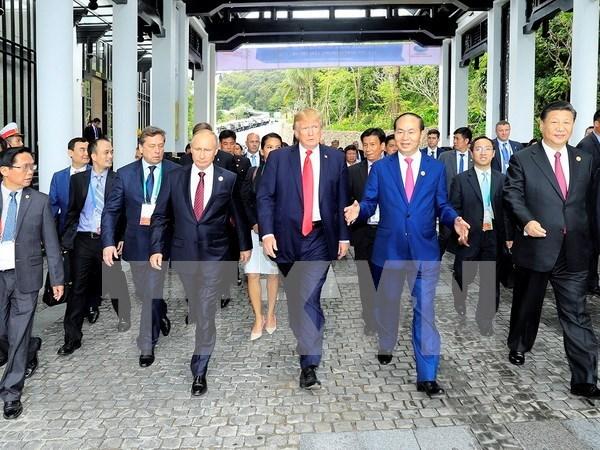 Periodico camboyano elogia labor de diplomacia multilateral de Vietnam hinh anh 1