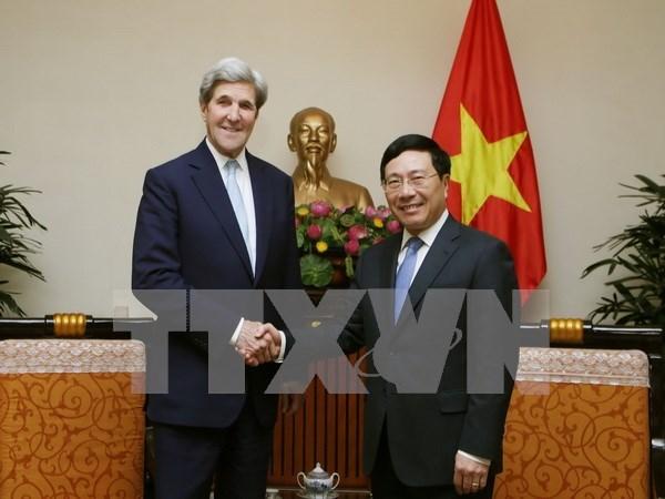 Vicepremier de Vietnam recibe a John Kerry hinh anh 1