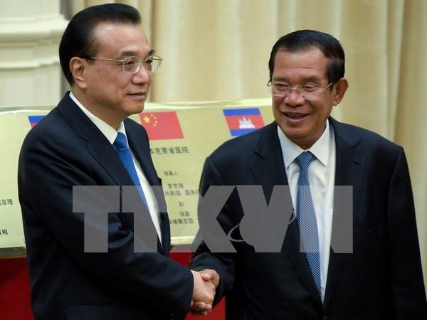 Camboya y China se comprometen a ampliar la cooperacion bilateral hinh anh 1