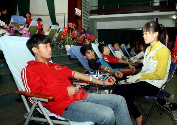 """Voluntarios vietnamitas se suman al movimiento de donacion de sangre """"Domingo Rojo 2018"""" hinh anh 1"""