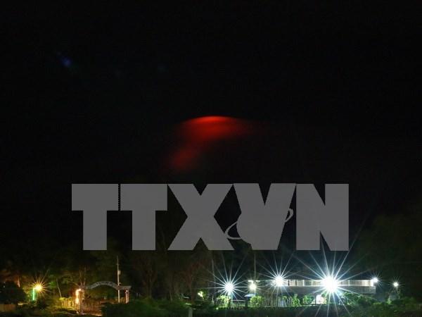 Eleva Filipinas nivel de amenaza de volcan Mayon hinh anh 1