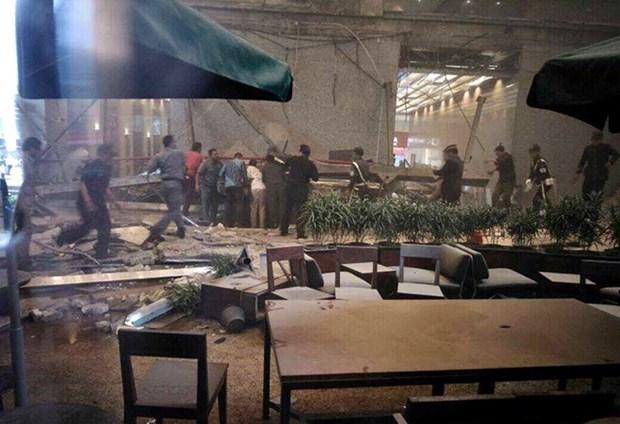 Al menos 20 heridos en derrumbe de estructura en Bolsa de Yakarta hinh anh 1