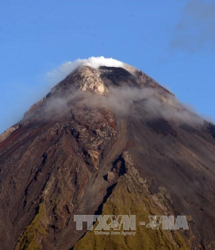 Filipinas amplia orden de evacuacion debido a riesgo de volcan Mayon hinh anh 1