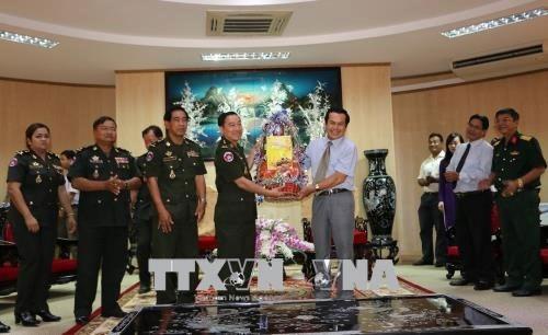 Delegacion camboyana extiende saludos de Ano Nuevo a Bac Lieu hinh anh 1