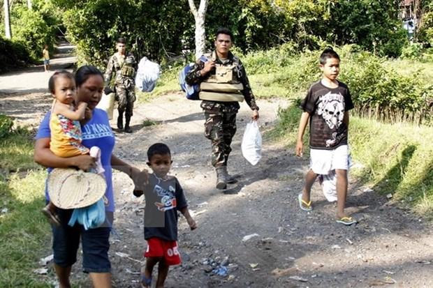 Miles de habitantes filipinos afectados por erupcion del volcan Mayon hinh anh 1