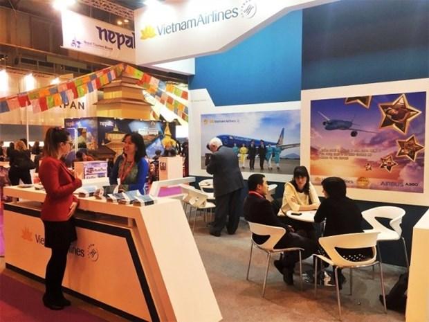 Difunden servicios de Vietnam Airlines en Feria Internacional de Turismo en Espana hinh anh 1