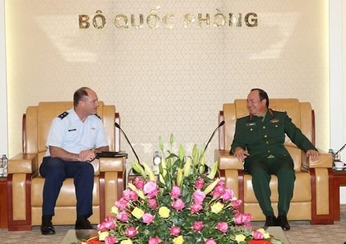 Vietnam y Estados Unidos consolidan relaciones en defensa nacional hinh anh 1