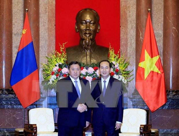 Presidente vietnamita recibe a titular del Parlamento de Mongolia hinh anh 1