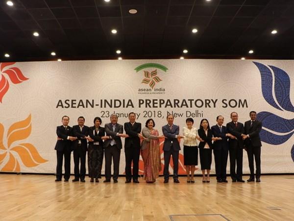 Altos funcionarios se preparan para cumbre conmemorativa ASEAN-India hinh anh 1