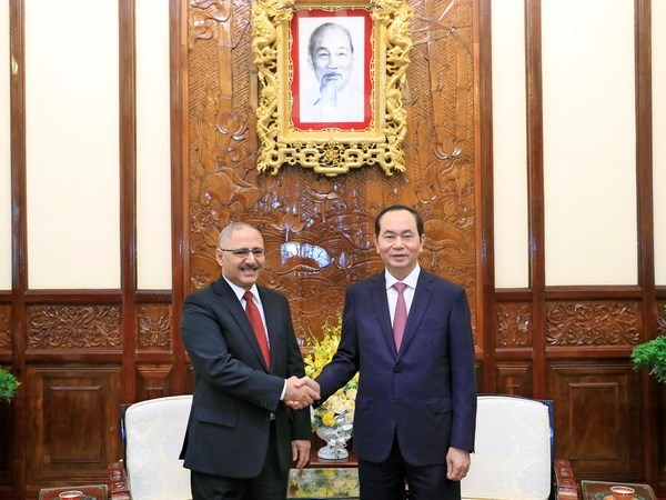 Presidente vietnamita destaca aportes de embajador egipcio a nexos bilaterales hinh anh 1