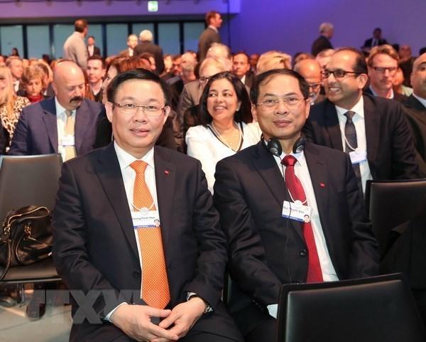 Vietnam activo en reunion Davos del FEM hinh anh 1