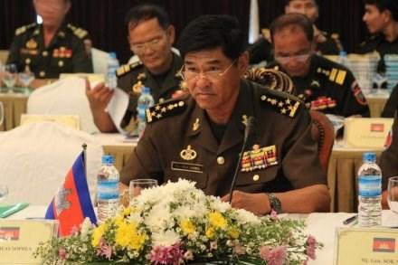 Vietnam y Camboya refuerzan cooperacion en defensa hinh anh 1