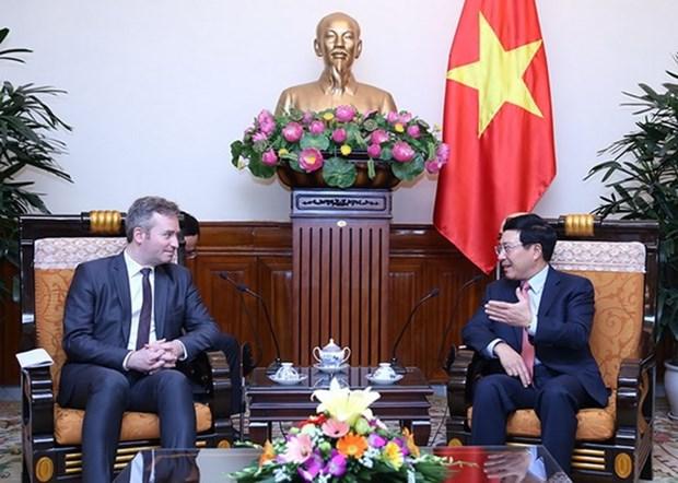 Francia prioriza fomento de nexos con Vietnam hinh anh 1