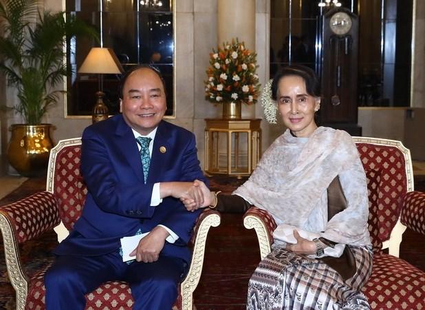 Premier vietnamita cumple amplia agenda al margen de Cumbre conmemorativa India- ASEAN hinh anh 1